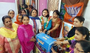 BJPMM distribute sewing machines among poor women-I