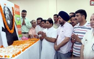 Floral tributes paid to BJP veteran Rishi Kumar Koushal