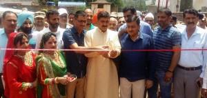Jugla inaugurates Modi Fest at Rajouri-i