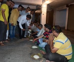 MLA Rajesh Gupta Starts langar At Trikuta Complex (3)