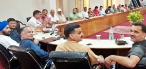 BJP holds meeting at Rajouri