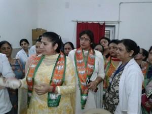 BJP Mahila Morcha visits Sarwal Hospital