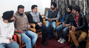 Balbir exhorts minorities youth at Srinagar to be self earning