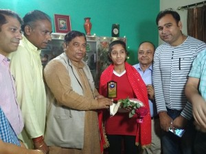 Sat felicitates young fencer Shreya Gupta-i