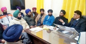 Dozens of unemployed Sikh youth calls on Balbir